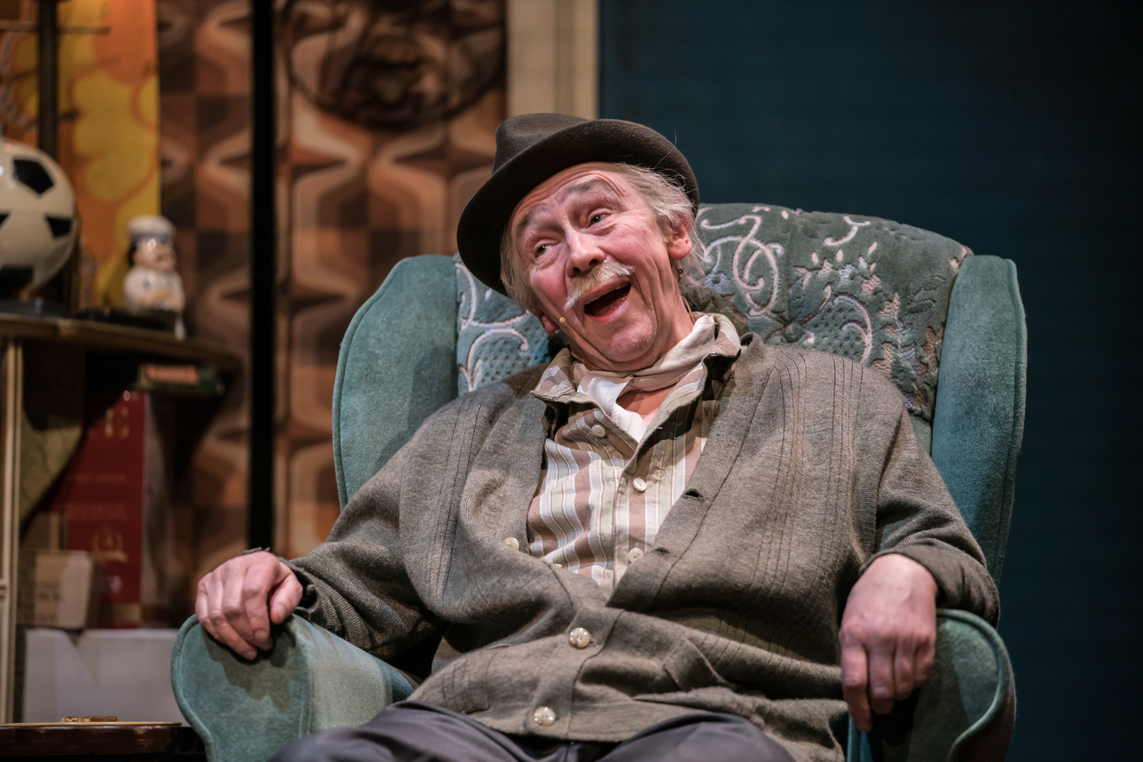 THE OBSERVER INTERVIEWS PAUL WHITEHOUSE!
