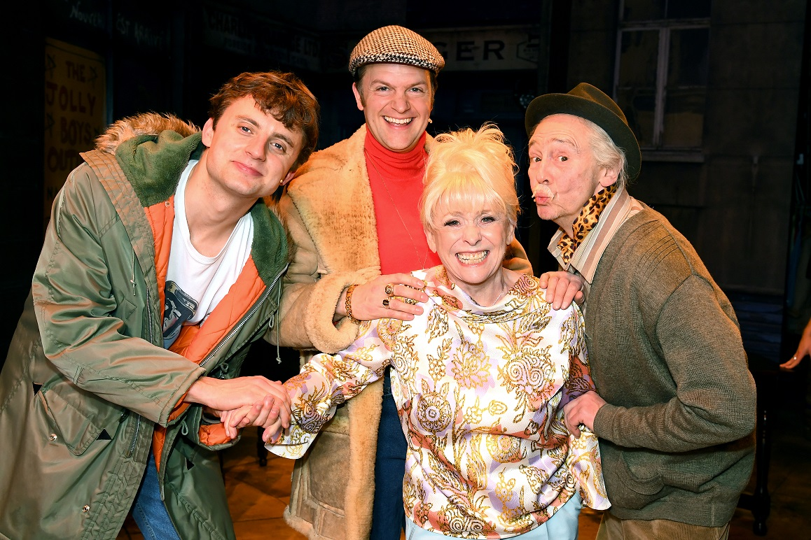 THE LEGENDARY BARBARA WINDSOR PAYS US A SPECIAL VISIT!